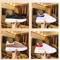 2019 nuove scarpe da donna da donna Scarpe casual in pelle Scarpe casual nere Stringate Comfort designer Sneakers da uomo da donna estremamente resistenti