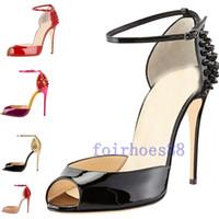 2020 حار أزياء المرأة الكعوب العالية المسامير اللباس اللمحة أصابع القدم أحذية الكعب العالي السوبر الصنادل مسنبل رصع الأحمر أسفل مضخات حجم 10CM 34 -42