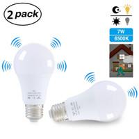 2 stücke E27 7W LED Glühbirne mit Bewegungssensor Home Lampe Indoor Outdoor Energysaving 6000k Smart Birnen für Badezimmer Büro Treppenhalle Flur