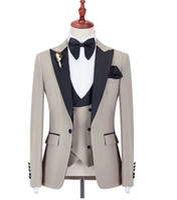 Moda Un botón Padrinos de boda Pico Solapa Novio Esmoquin Trajes de hombres Boda / Fiesta de graduación / Cena Mejor hombre Blazer (Chaqueta + Pantalones + Corbata + Chaleco) AA221