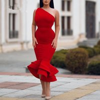 Röd en axel satin sjöjungfrun cocktail klänningar 2020 elegant ruched ruffles te längd formell fest kort plus storlek vestidos kvällsklänningar