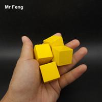 Amarillo 100 piezas 2.5 cm Árbol de madera Juego de cubo Gadget Rompecabezas Cerebro Sentido común Juguetes educativos para niños (Número de modelo B274)