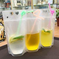 Boisson à usage unique Pouch Coeur Jus Boissons Lait Café Emballage en plastique givré avec poignée et trous pour la paille alimentaire sac de rangement