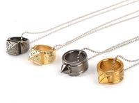 Anello di difesa autodifesa Collana creativa con anello per cordino fibbia ad un dito Fuga autodifesa Protezione congiunta polverizzatori nocche