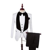 Nuovo stile Smoking dello sposo One Button Groomsmen Scialle Nero Risvolto Migliore abito da uomo Matrimonio / Abiti uomo Sposo (Giacca + Pantaloni + Gilet + Cravatta) A67