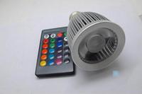 2pcs / pz Dimmable15W E27 RGB 16 colora la lampada della lampadina LED Spotlight 85-265V + IR decorazione del partito della casa di controllo con telecomando IR