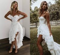 2020 Bohême Haut Bas Robes de mariée chérie dentelle Appliqued Robes De Novia Une ligne hiérarchisé Jupes Boho Robe de mariée