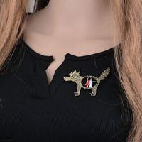 Neue Simulierte Perlen Schmuck Großer grauer Wolf Rotkäppchen-nachgemachte Perlen-Schal-Halter Schal Brosche Clips Geschenk B175