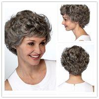 Yüksek kaliteli Gri Saç Kısa Kadın Peruk Siyah Mix Beyaz Sentetik Saç Isıya Dayanıklı Saç Kıvırcık Gri Peruk Lady için