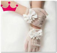 بنات حلوة شريط جوفاء قفازات بيضاء بوتيك الاطفال الأميرة الزفاف اكسسوارات الأطفال ستيريو مطرز الزهور الانحناء قفازات الأصابع J2893