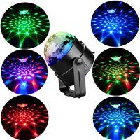Sonido activado Rotación de la bola de discoteca Luces de fiesta Luz estroboscópica 3W RGB LED Luces de escenario para la Navidad Inicio KTV Navidad Show de boda