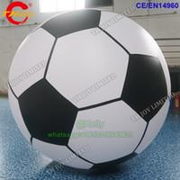 Balão inflável do hélio inflável de 2m para anunciar o balão de futebol inflável feito sob encomenda do futebol do céu