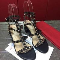 حار بيع أحذية جديدة محطة أوروبية ذات جودة عالية العلامة التجارية الأحذية 35-41 حذاء كعب سميك مبيعات المصنع مباشرة الشحن المجاني