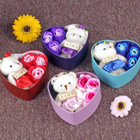 3pcs / set Duftseife Rose Blumen mit 1 Cute Bear Parfümierte Eisen-Kasten Valentiners Hochzeit Dekoration Geschenke Bad-Körper Soaps