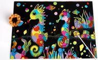Ahşap Kalem Çocuklar Notlar Kurulları Noel doğum günü partisi Oyun Favor 10.3X7.5 inç ile Sihirli Çizilmeye Sanat Kitap Gökkuşağı Çizilmeye Kağıt Notebook