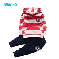 Good qulaity Summer Newborn Baby Boy Clothes Toddle Boys Suit Set Camiseta de algodón de manga corta Tops Pantalones 2pcs Ropa infantil Conjunto
