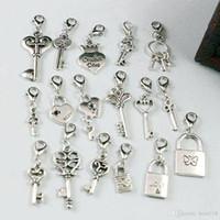Caliente ! 102pcs Antiguo Plata Bloqueo de corona de corazón mezclado / llave cuelga perlas y cierre de langosta DIY joyería 17 estilo