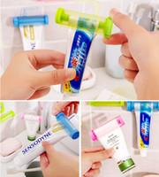 Kunststoff Zahnpasta Aufrollrohr Squeezer Nützliche Zahnpasta Einfache Spender Badezimmer-Halter-Sauger-Haken-Gesichtsreiniger Squeezer DBC BH3551