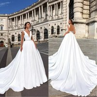 2019 Designer Backless Wedding Dresses Cheap Elegant Deep V ...