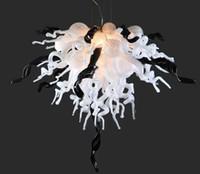 أنابيب الحديثة مصباح أبيض اللون الأسود تتخللها فلوش الصمام الخيالة اليد في مهب زجاج مورانو الفن إضاءة الثريا
