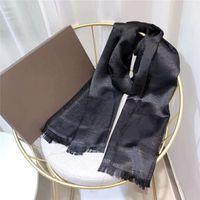 Soie Foulard Fashion Man Femmes 4 Saison Châle Écharpe Lettre Foulards Taille 180x70cm 6 Couleur Haute Qualité