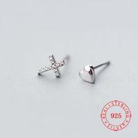Meilleures ventes petit article meilleur cadeau Sterling Lady Argent Coeur Croix Boucles d'oreilles 925 Mini cool CZ oreille bijoux Boucles d'oreilles usine yiwu