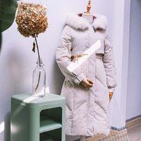 Mujer Abrigo de invierno Pato Negro Blanco pato abajo sobre la rodilla largos de la capa de Down capas largas con cuello de piel de zorro con capucha femeninas Espesados ropa