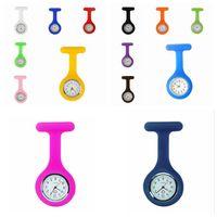 Presentes 120pcs Natal Promoção enfermeira colorido RRA3103 broche Fob túnica relógio de bolso da tampa do silicone Nurse Relógios favor de partido