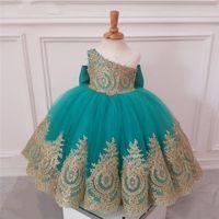 Vestidos de niña de flores de un solo hombro azul turquesa lindo para bodas Vestido de fiesta de encaje dorado Vestido de noche para niños Vestido de primera comunión para niñas
