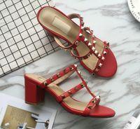 neue 2020 neue europäische Frauen Nieten Sandalen mit Flip-Flop 6 cm hohe befestigte Art und Sandalen 6 Farbe Größen 35-41