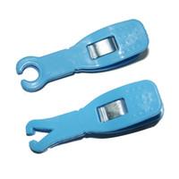 Desechable Piercing abrazadera único utilizados Clip perforación del cuerpo Forcep Ronda y el triángulo para el oído de la nariz del labio Suministros