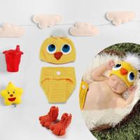 Yenidoğan Bebek Caps Fotoğraf Dikmeler Sevimli Chick Giyim Seti Bebek Fotoğrafçılık Dikmeler Örme Tığ Bebek Kıyafetler sıcak yeni Toptan kargo ücretsiz