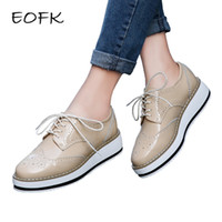 EOFK Marca Primavera Donna Platform Shoes Donna Brogue in vernice appartamenti Flats Lace Up Calzature femminile piatto Oxford Scarpe per le donne