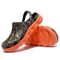 2020 무료 배송 디자이너 신발 남성 샌들 남성용 신발 여름 캐주얼 버클 비치 신발 위장 방수 슬라이드
