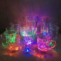 지도 한 바 발광 와인 유리 다채로운 발광 칵테일 유리 물 유도 파인애플 컵 바 웨딩 용품 XD23438을 만나다