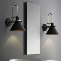Yeni İskandinav duvar lambası Başucu lambası Yatak Odası Modern oturma odası Geçit Merdiven Basit demir LED lamba