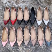 2020 Hohe Luxus Schuhe Stud Sandalen Sexy spitz-Absatz-Schuhe der heißen Verkaufs-Designer-Schuhe Nude Mode Hochzeit Niete Frauen-Pumpen Valentine