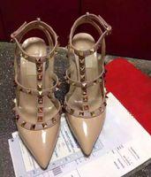 Mulheres Sapatos de Salto Alto Sapatos de Festa de Moda Rebites Meninas Sexy Apontou Toe Sapatos de Sapatos de Plataforma de Fivela Sapatos de Casamento Preto Branco Rosa Cor HD
