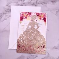 Gül Altın Glitter Lazer Kesim Düğün Davetiyeleri Taç Prenses Davetiyesi Quinceanera Baskı Tatlı Onaltı Cep Davet Ediyor