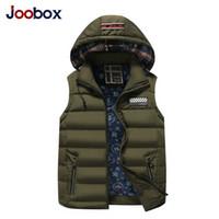 الشتاء الرجال سترات معاطف ملابس خارجية القطن مبطن سترات رجال الرياضة معطف مقنع مبطن الحجم M-4XL 4 ألوان 2019 الشتاء J1906153
