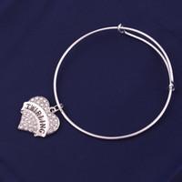 TX0015工場直販の光沢のあるジルコンハート形のチャームTrirling Curms Love Letter Bracelet調節可能なバングルガールフレンドギフトジュエリー