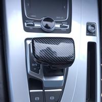Car Styling Gearshift Handle Head Frame Cover Copertura in fibra di carbonio Autoadesivo Autoadesivo per Audi A4 B8 B9 A5 A6 C7 S6 A7 Q7 Q5 Accessori automatici AUTO
