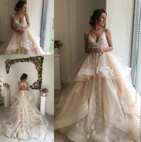 2019 New Champagne Floral Wedding Dresses Sexy Backless Ruff...
