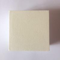 الأبيض صالح للصندوق شقة الإسفنج وسادة داخل سحر الخرزة قلادة القرط الدائري سوار مجوهرات هدية مربع مربع أكياس ورقة عرض