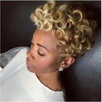 Sintética vendedora caliente del cortocircuito del estilo de Bob suave Despeinado rizos color natural de la peluca completa pelucas para mujeres Negro JF0001
