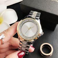 Moda Band Saatler Kadınlar Kız Büyük Harfler Kristal Stil Metal Çelik Band Kuvars Bilek İzle M 110