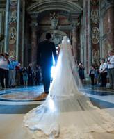 Büyüleyici İki Katmanlar Gelin Veil Uzun Katedrali Düğün Veil Vintage Dantel Aplike Tül Tarak Beyaz Fildişi Katedrali Uzunluk 3m