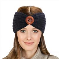 Botón de invierno de las mujeres de la hebilla de la venda del ganchillo de punto Deportes femeninos Turbante Hairband cabeza del turbante banda calentador del oído regalo de Navidad Beanie Cap