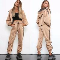 Womens Designer Survêtements sport Cardigan conviennent leggings en vrac côté sarouel + court à capuchon sport Casual Suit Top Quanlity