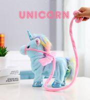 La nueva muñeca eléctrica de unicornio cantará y paseará el brillante regalo de los niños de peluche de peluche.
